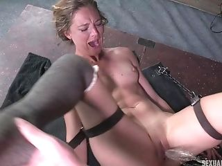 Gonzo Offensive Jaws Fuck For Strapped Blonde Mona Wales