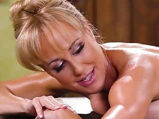 Exquisite Blonde Cougar Brandi Love Tempts Jill Kassidy Into Fucky-fucky
