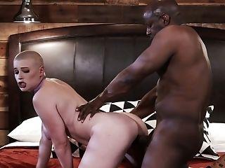Bald Headed Canadian Hooker Riley Nixon Gets Her Twat Blacked