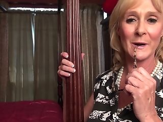 Matures First-timer Blonde Granny Dionne Stuffs Her Smoothly-shaven Cootchie With Playthings