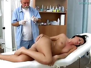Raunchy Darkhaired Honey Natalie Black Vagina Examin - Legal Years Old