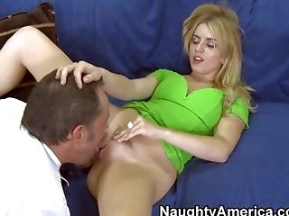 Lexi Belle Is A Whorey Rich Dame Who Has A