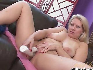 Horny Porn Industry Star Zoey Tyler In Crazy Blonde, Big Caboose Hookup Scene