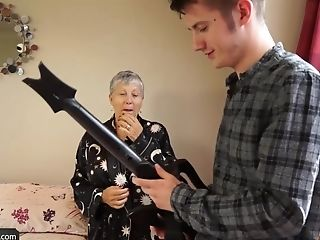 Old Lady Savana Fucked By Student  Bourne