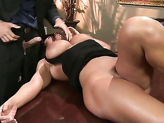 Black-haired Lisa Ann With Massive Tits Is Ready To Suck Mick Blues Fuck Stick All Night Lengthy
